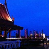 Photo taken at Anantara Bangkok Riverside Spa & Resort by =YuY= on 7/21/2011