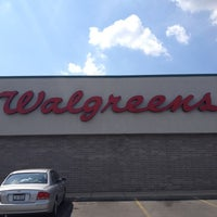 Photo taken at Walgreens by Sher Z. on 8/15/2012