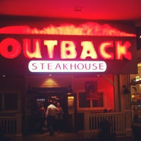 Photo taken at Outback Steakhouse by Fabricio G. on 8/28/2012