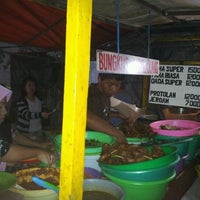 Photo taken at Bebek Tugu Pahlawan by Julia S. on 3/27/2012