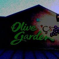 Photo taken at Olive Garden by William K. on 5/26/2012
