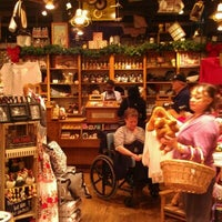 Photo taken at Cracker Barrel Old Country Store by Alex O. on 12/30/2011