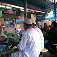 Photo taken at Kompleks Medan Suri by Azman Y. on 3/25/2012