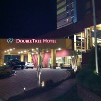 Photo taken at DoubleTree by Hilton Hotel Chattanooga Downtown by Jonathan J. on 4/7/2011