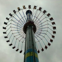 Photo taken at Windseeker by Sara H. on 9/5/2011