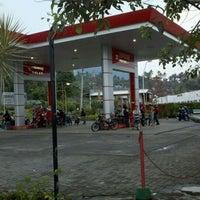 Photo taken at SPBU bandungan by Mohammad Sani S. on 11/5/2011