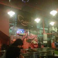 Photo taken at Restoran Sekinchan Ikan Bakar by fadzli a. on 4/2/2011