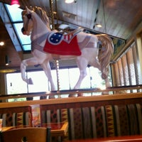 Photo taken at Red Robin Gourmet Burgers by Kenny W. on 9/24/2011