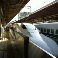 Photo taken at Shin-Yokohama Station by Teruhisa K. on 4/28/2012