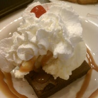 Photo taken at Friendly's by Erwie D. on 5/26/2012