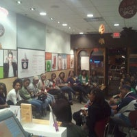 Photo taken at Red Mango by Spencer C. on 11/3/2011