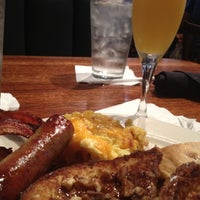 Photo taken at Granite City Food & Brewery by Q T. on 6/24/2012