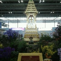 Photo taken at Departures / Check-In Hall by ธงชัย ว. on 11/29/2011