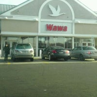 Photo taken at Wawa by Amarylis V. on 12/13/2011
