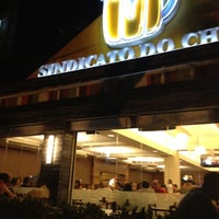 Photo taken at Sindicato do Chopp by Mariana F. on 8/25/2012