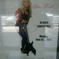 Photo taken at Guitars Etc by Vic D. on 6/25/2012