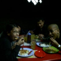 Photo taken at Gemboel, ciseke 24 hours cafè by Arini S. on 1/31/2012