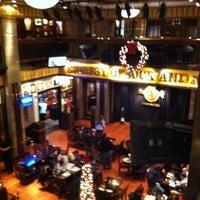 Photo taken at Hard Rock Cafe Washington DC by Dulce Helena Melchiori N. on 12/28/2011
