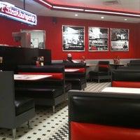 Photo taken at Steak 'n Shake by Bonnie E. on 9/24/2011