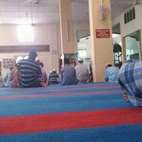Photo taken at Masjid Kg Bahagia, Teluk Intan by Mohd Amiruz Dzaki M. on 9/2/2011