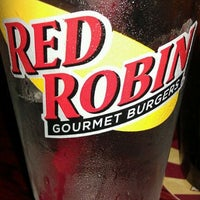 Photo taken at Red Robin Gourmet Burgers by Dee on 8/23/2011