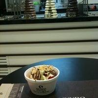 Photo taken at Mundo di Chocolate by Edson R. on 2/10/2012