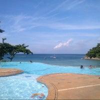 Photo taken at Fairways & Bluewater Resort Boracay by John II B. on 8/19/2012