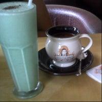 Photo taken at Chocolateria San Churro by Hitessh G. on 8/24/2012