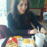 Photo taken at McDonald's by Makarena H. on 8/23/2011
