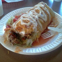 Photo taken at Mr Taco : Fresh Mexican Grill by Gabriel D. on 10/12/2011