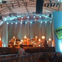 Photo taken at I Love Jazz Festival Internacional by Ana Flavia Pimentel M. on 8/6/2011