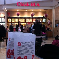 Photo taken at Chick-fil-A Exton Square by Cesar M. on 1/26/2012