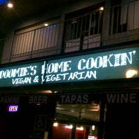 Photo taken at Doomie's Home Cookin' by Austin S. on 8/25/2012