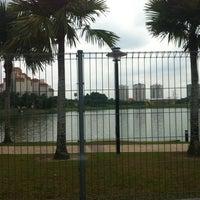 Photo taken at Taman Tasik Ampang Hilir by Hazim on 5/25/2012