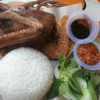 Photo taken at Kantin Mega Kuningan by Aswin A. on 11/11/2011