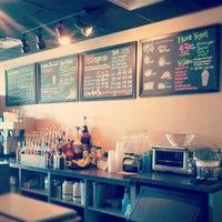 Photo taken at Electric Beanz Coffee Bar by Joyce L. on 9/10/2012