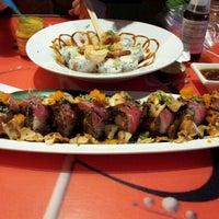 Photo taken at Octopus Japanese Restaurant Sushi by Sol K. on 4/16/2012