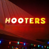 Photo taken at Hooters by David P. on 11/29/2011