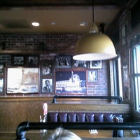 Photo taken at Uno Chicago Grill by Scott K. on 12/4/2011