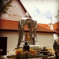 Photo taken at เทวสถาน (โบสถ์พราหมณ์) Dhevasathan (Brahmin Shrines) by Korbua P. on 5/6/2012