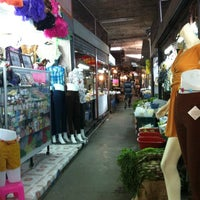 Photo taken at ตลาดบ้านแพ้ว by Tukta on 7/22/2012