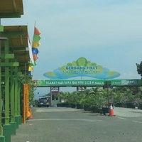 Photo taken at Taman Buah Mekarsari by Ucok S. on 8/26/2012