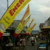 Photo taken at Pasar Jatibarang by alsoif s. on 5/5/2012