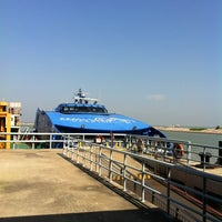 Photo taken at Taipa Ferry Terminal | Terminal Marítimo de Passageiros da Taipa | 氹仔客運碼頭 by Belinda K. on 11/12/2011