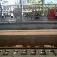 Photo taken at Estação Ferroviária de Entrecampos by Cláudio Gonzalves on 6/22/2012