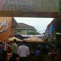 Photo taken at Kantin Mega Kuningan by Sentanu E. on 12/20/2011