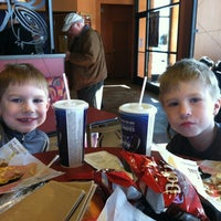 Photo taken at Taco Bell by Deric L. on 2/11/2012