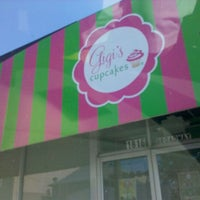 Photo taken at Gigi's Cupcakes by Vicki H. on 9/10/2011