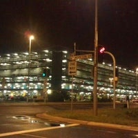 Photo taken at Brisbane Airport (BNE) by Che Saiful A. on 1/25/2012