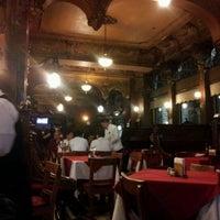 Foto tomada en La Opera por Ericka S. el 4/15/2012